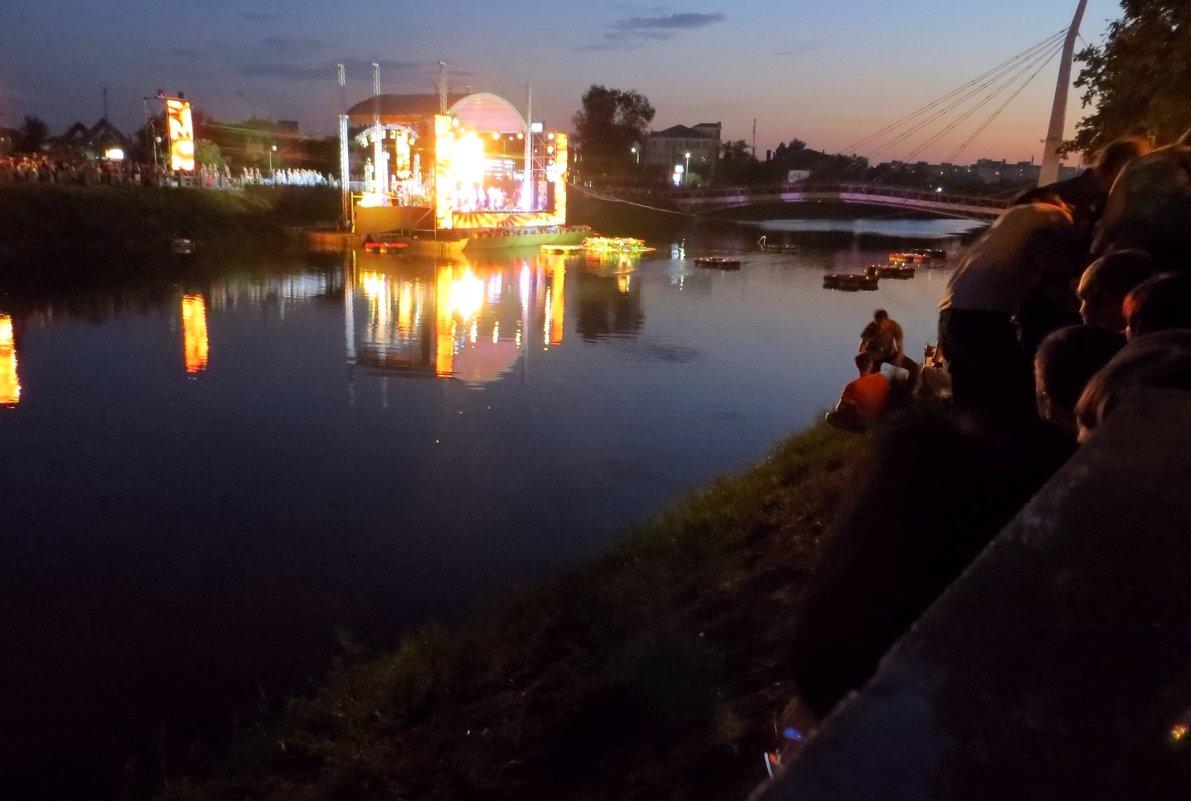 Сцена на воде - Ирина Сивовол