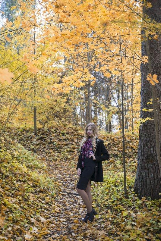 В лесу - Женя Рыжов
