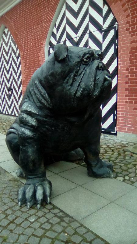 Скульптура малых форм из Таллина в Петропавловской крепости. - Светлана Калмыкова