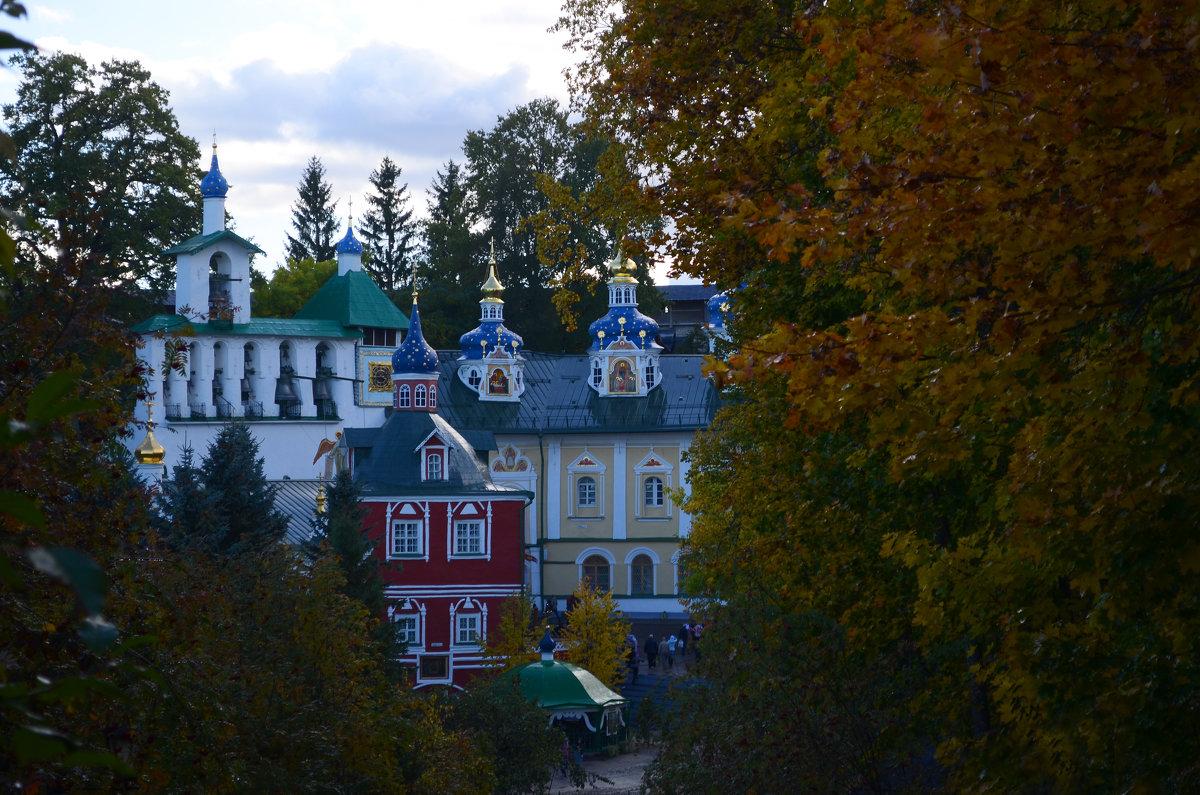 Псково-Печерский монастырь - Наталья Левина