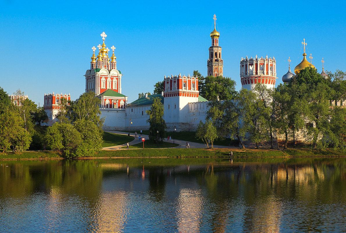 Новодевичий монастырь - Ирина Корнеева