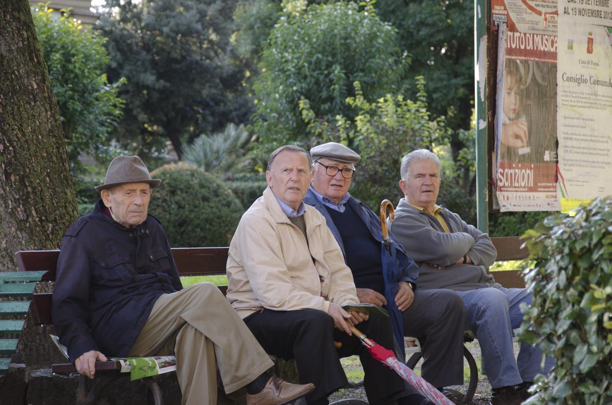 Итальянские пенсионеры - Сергей Лошкарёв