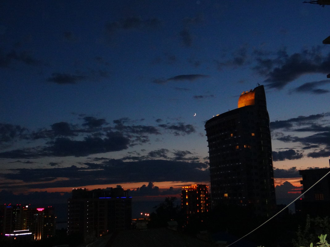 в городе Сочи темные ночи - Ольга Куликовская /Olga  Kulikovskaya