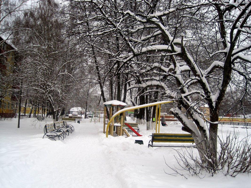Зимний дворик - Елена Семигина