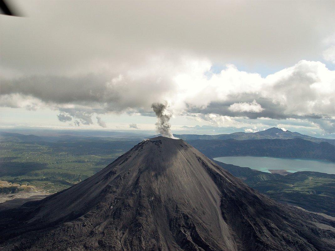 Карымский вулкан - Юрий Петров