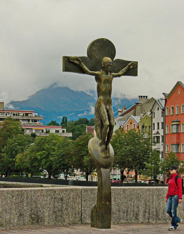 Статуя Иисуса на мосту. коротый дал название городу - Олег Попков
