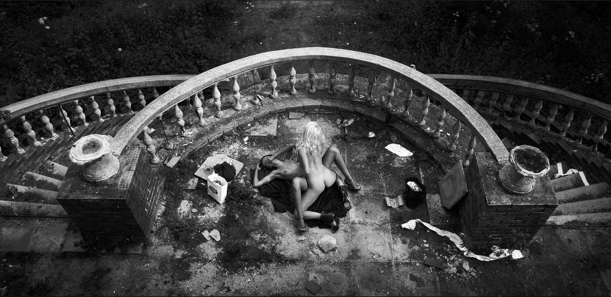На графских развалинах - Константин Ощепков