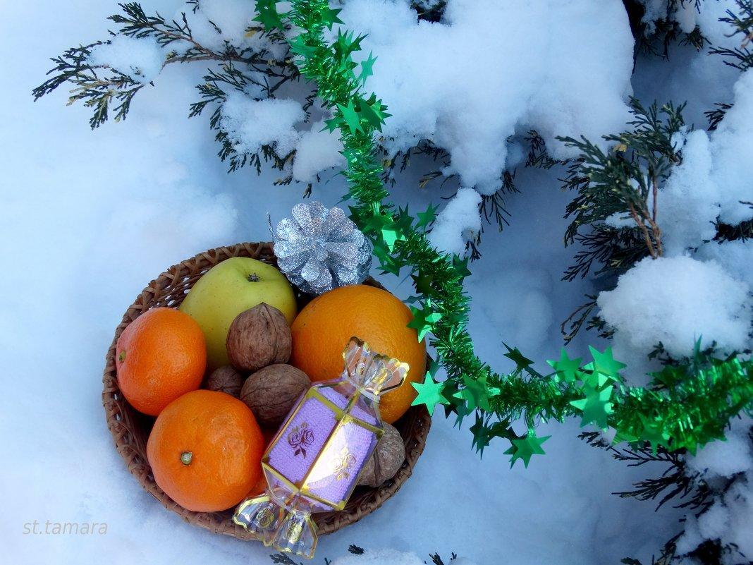 Подарки под ёлкой... - Тамара (st.tamara)