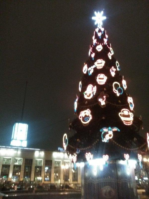 Праздничная елка у Финляндского вокзала! (Санкт-Петербург) - Светлана Калмыкова