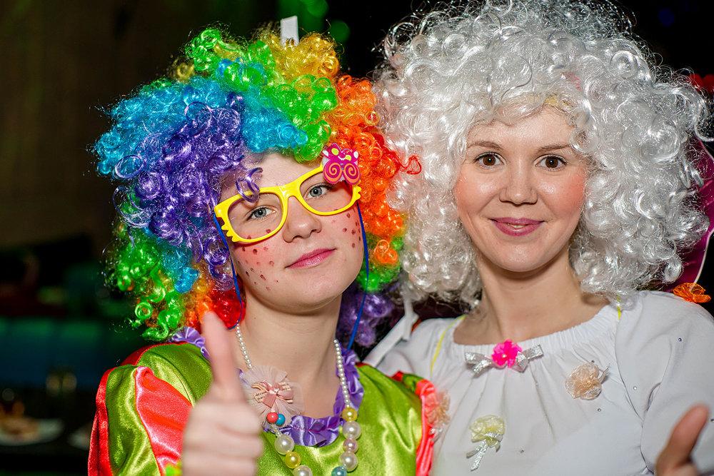 На благотворительном празднике для деток из многодетных и малообеспеченных детей - Наталья Корнилова