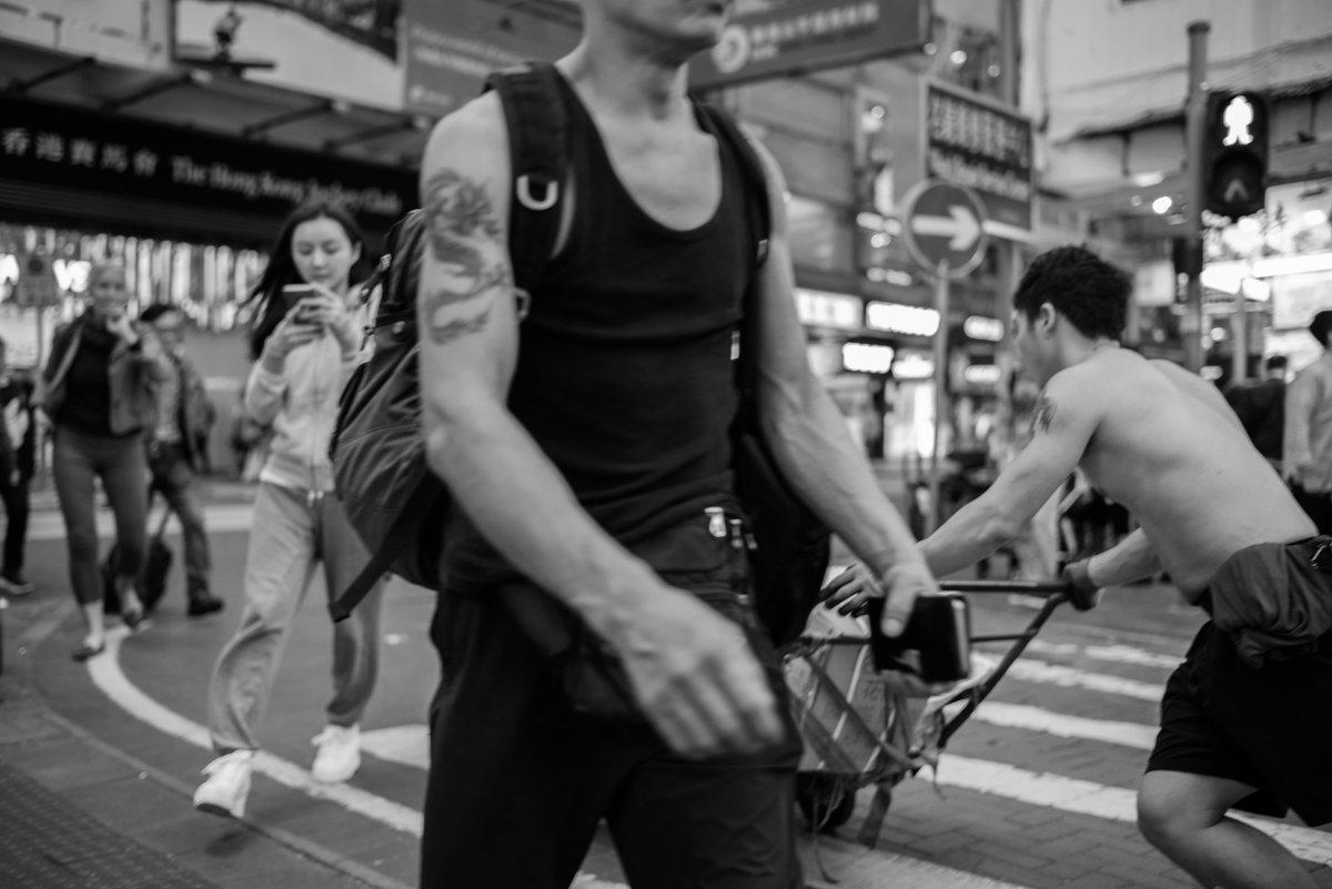 броуновское движение на улицах Гонконга - Sofia Rakitskaia