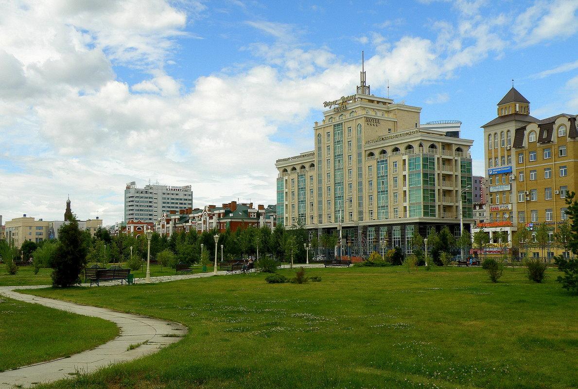 В парке Тысячелетия... - Андрей Головкин