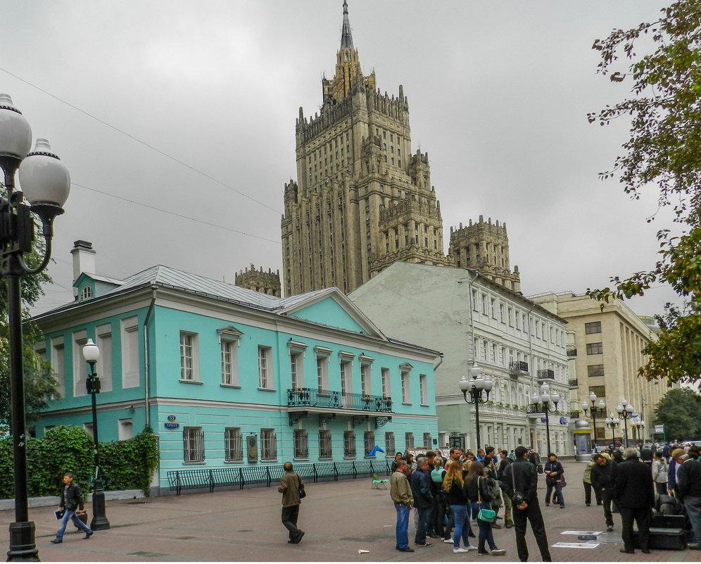 Прогулка по Москве.... - Юрий Поляков