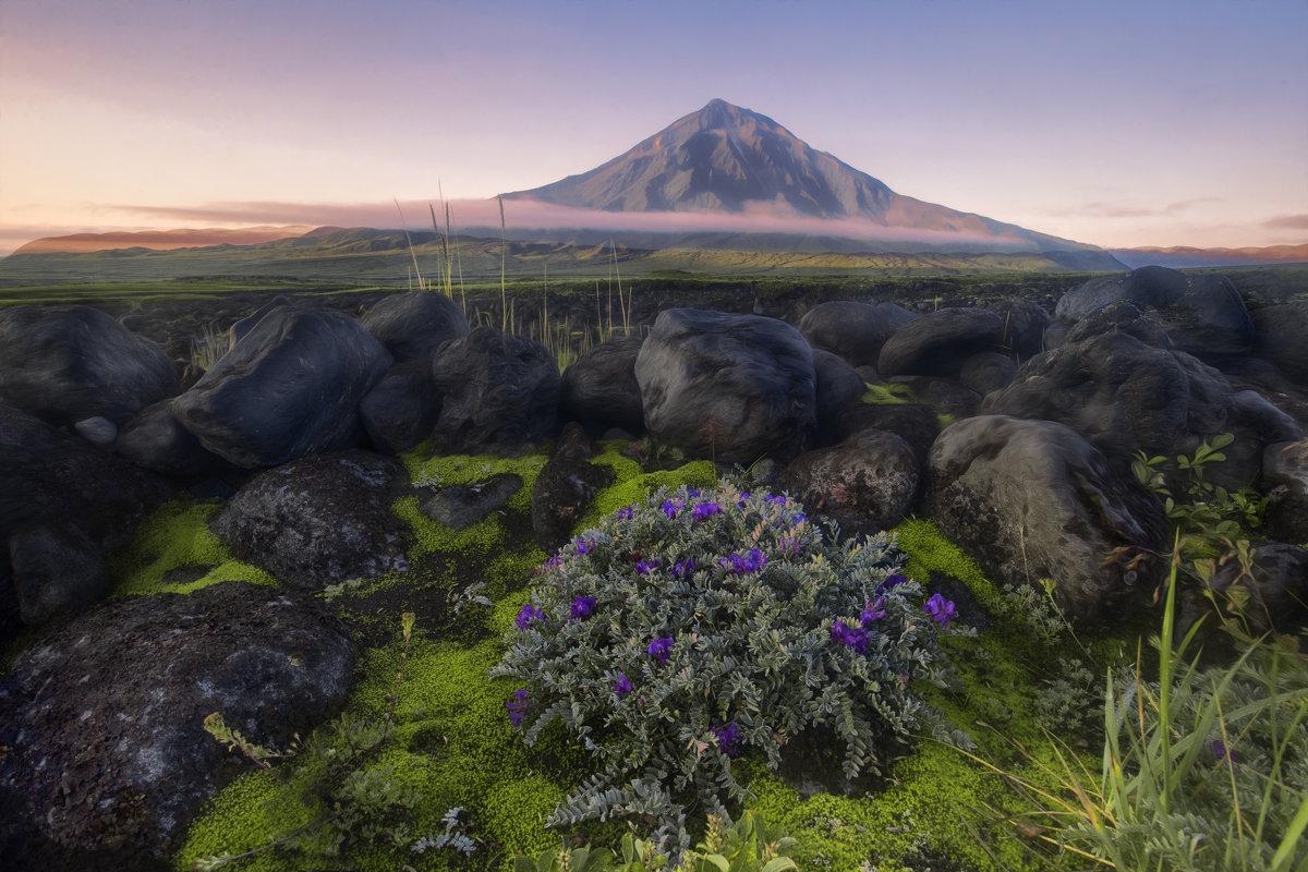 Рассвет над вулканом - Ершов Андрей