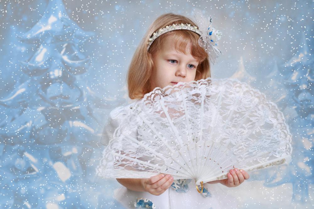 Новогодний портрет - Римма Алеева