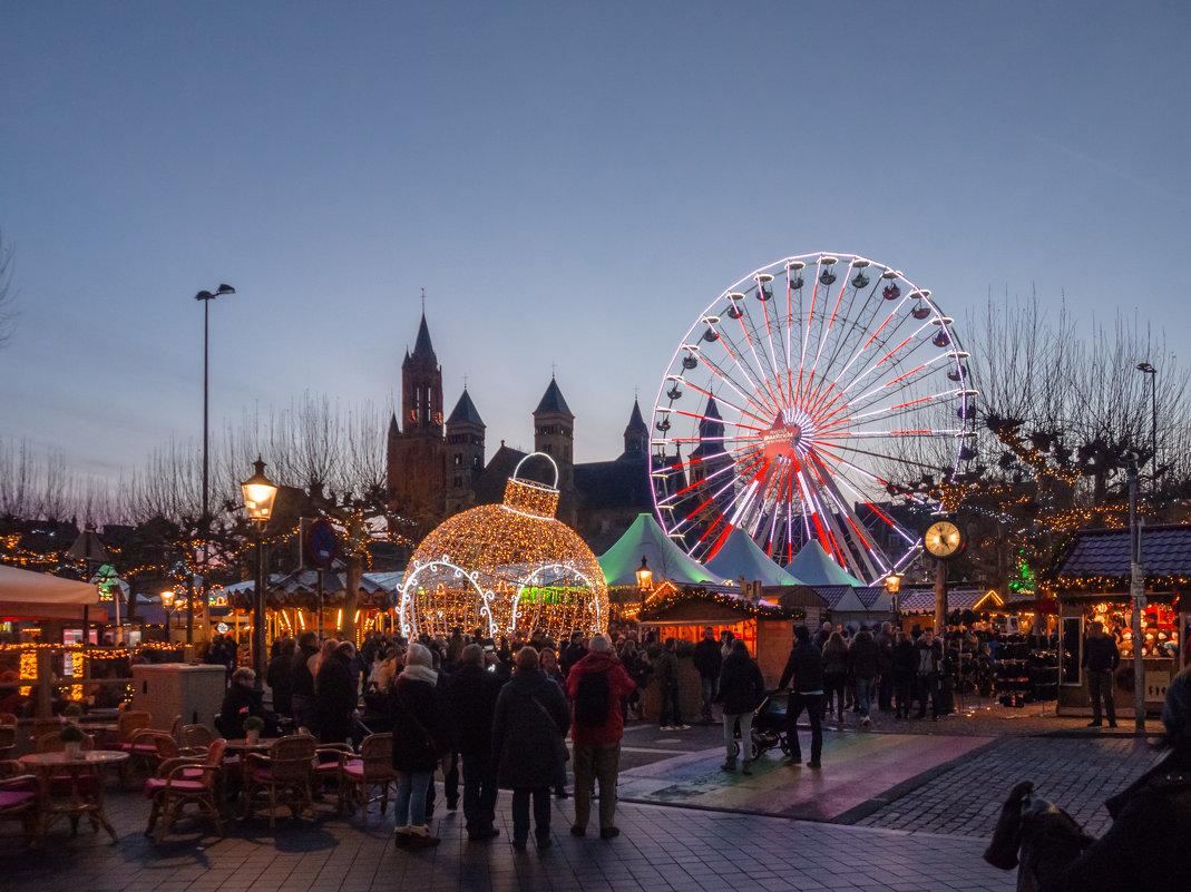 Вечером в Маастрихте, Голландия, Рождественский вечер - Witalij Loewin