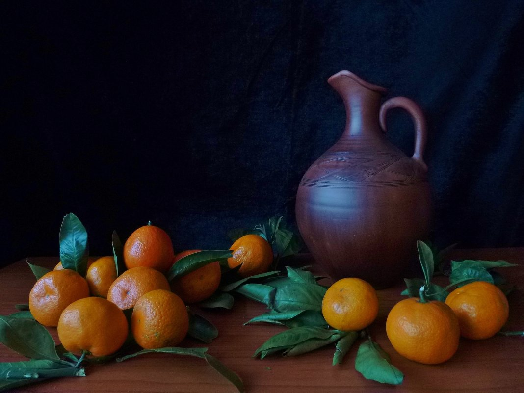 С мандаринами и кувшином - Глаша