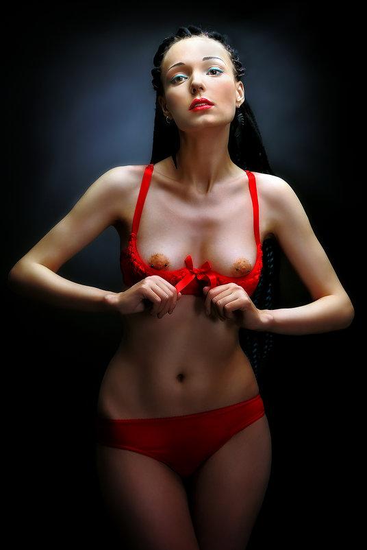 Девушка в красном белье.. - Андрей Войцехов