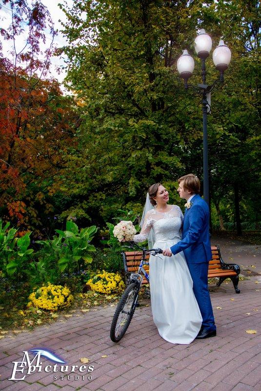 Свадебная фото сессия с велосипедом - Егор Чеботаренко