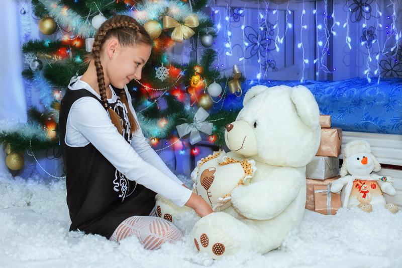 Девочка и мишка - Tatsiana Latushko