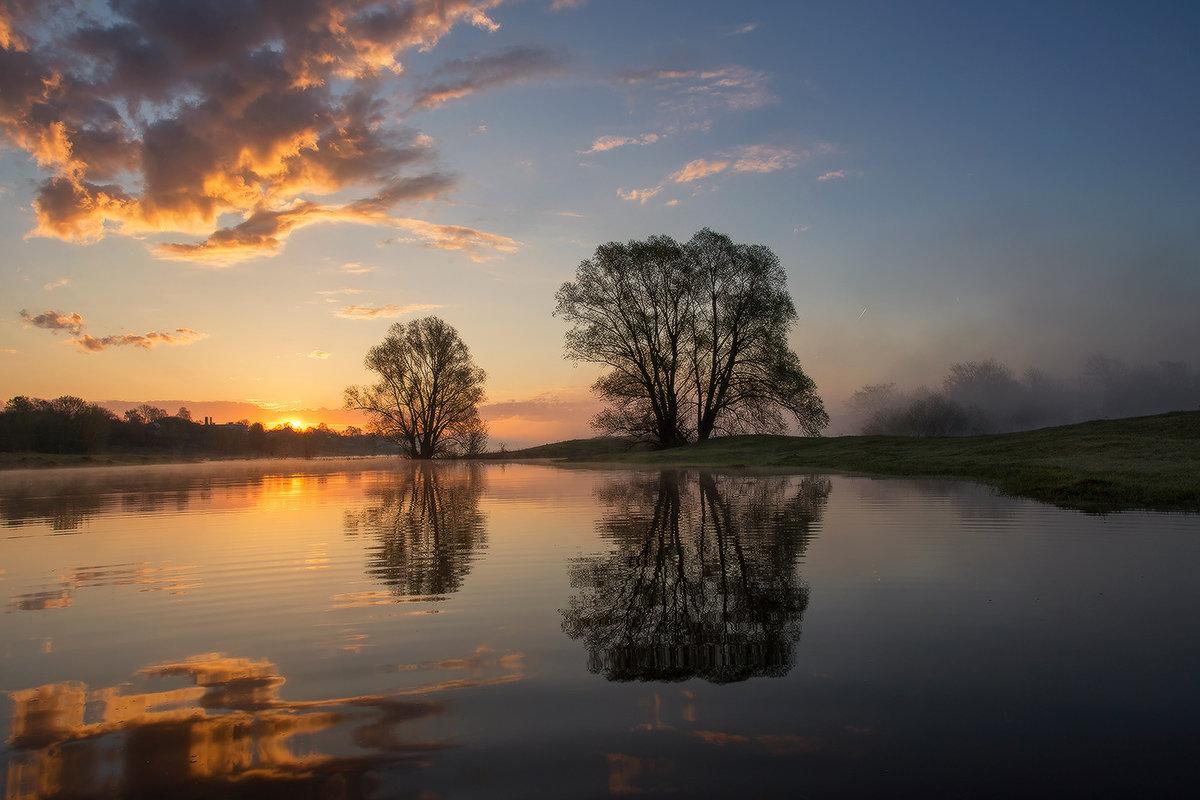 Весенний разлив - Михаил Корнилов
