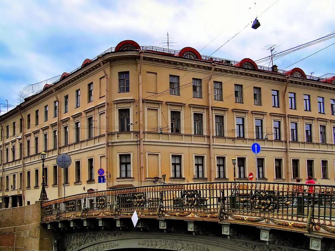 Конюшенный переулок 1/6. Я там жил до 2001 года. - Владимир Ильич Батарин