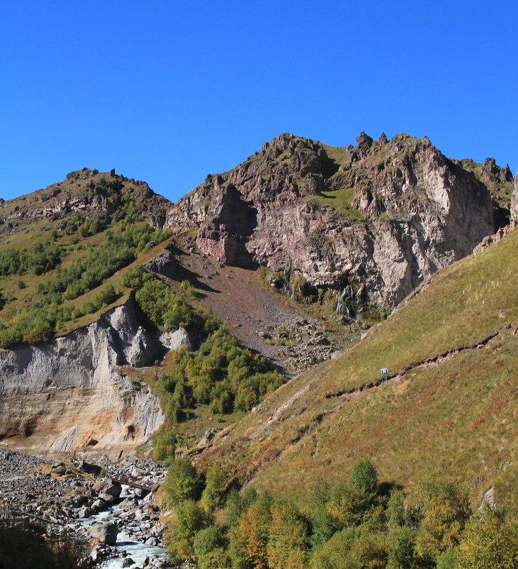 На Склонах Эльбруса. Джилы-Су. Река Малка. Высота около 2300 м. - Vladimir 070549