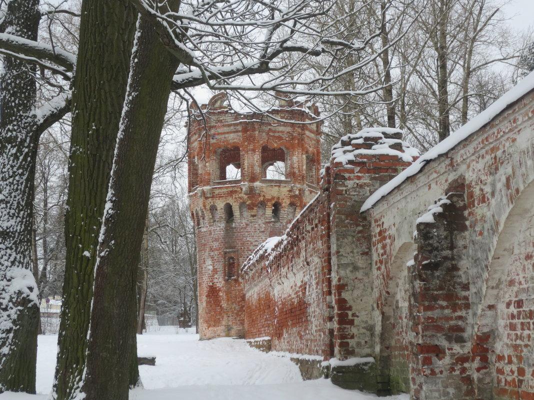 руины Фёдоровского Городка в Царском Селе - Елена