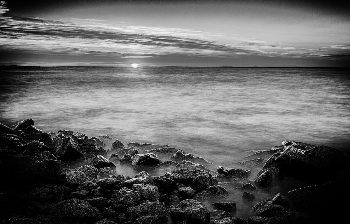 закат черно белое фото