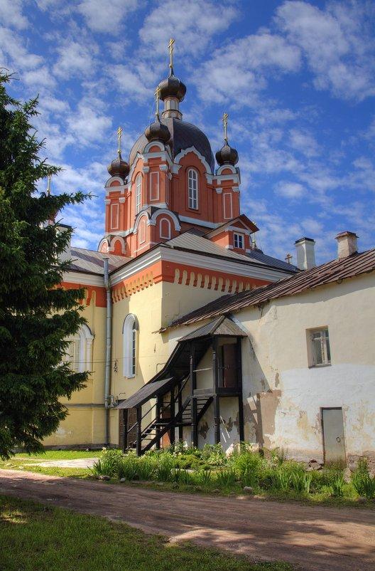 Крестовоздвиженская церковь - Константин