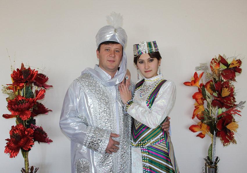 Жених и невеста - Михаил Костоломов
