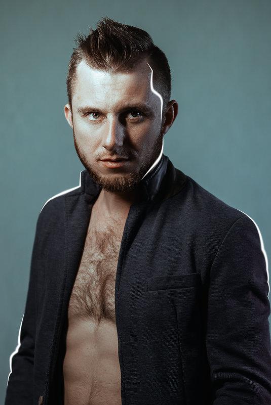 Я - Максим Жидков
