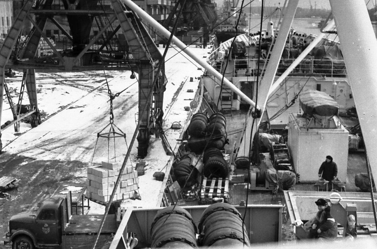 Рыбный порт Рига.1971-й. - Иволий Щёголев