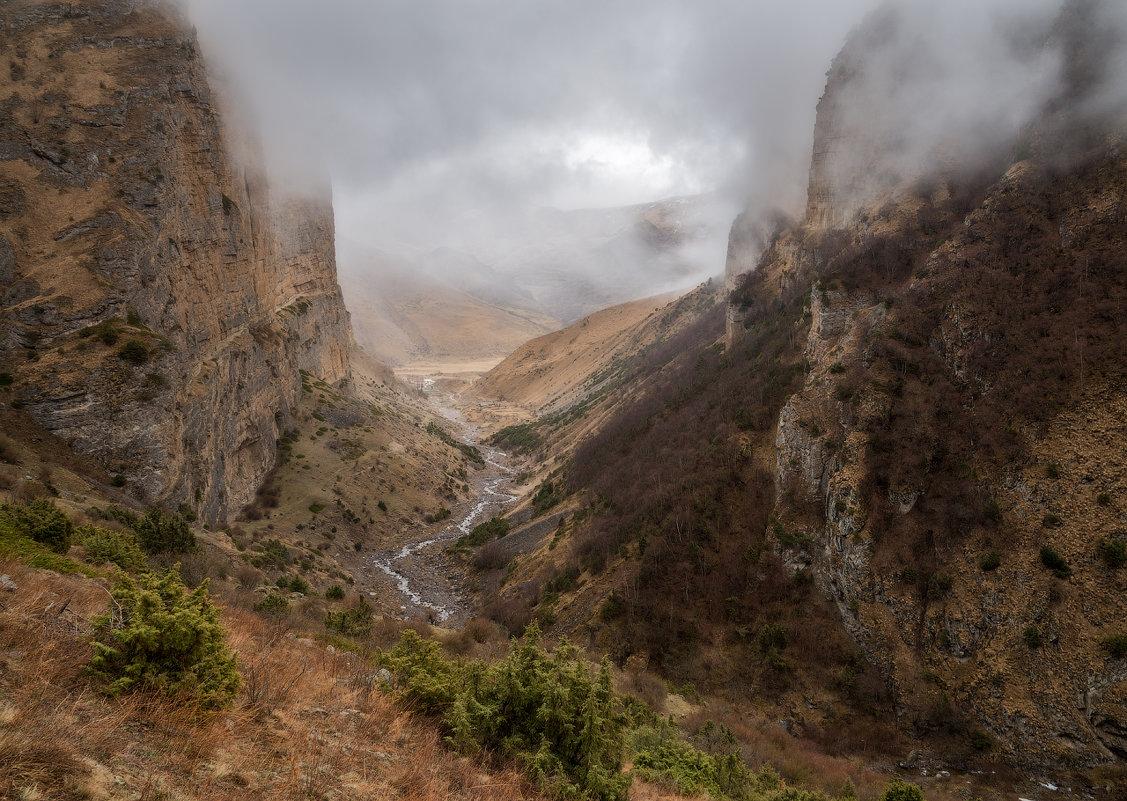 Непогода в горах непогода... - Юрий Шевченко