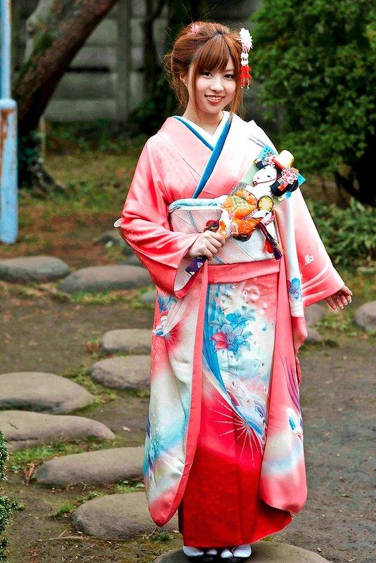Девушка в кимоно - Alexander Dementev