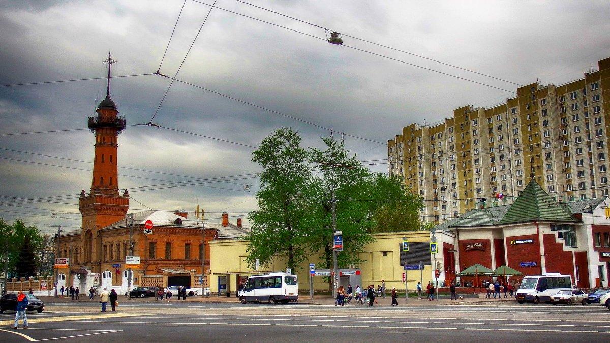 По улицам столицы в мае. - Лара ***