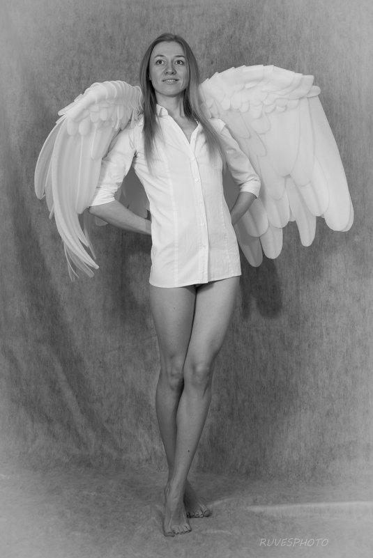 Ангел в рубашке - Руслан Веселов