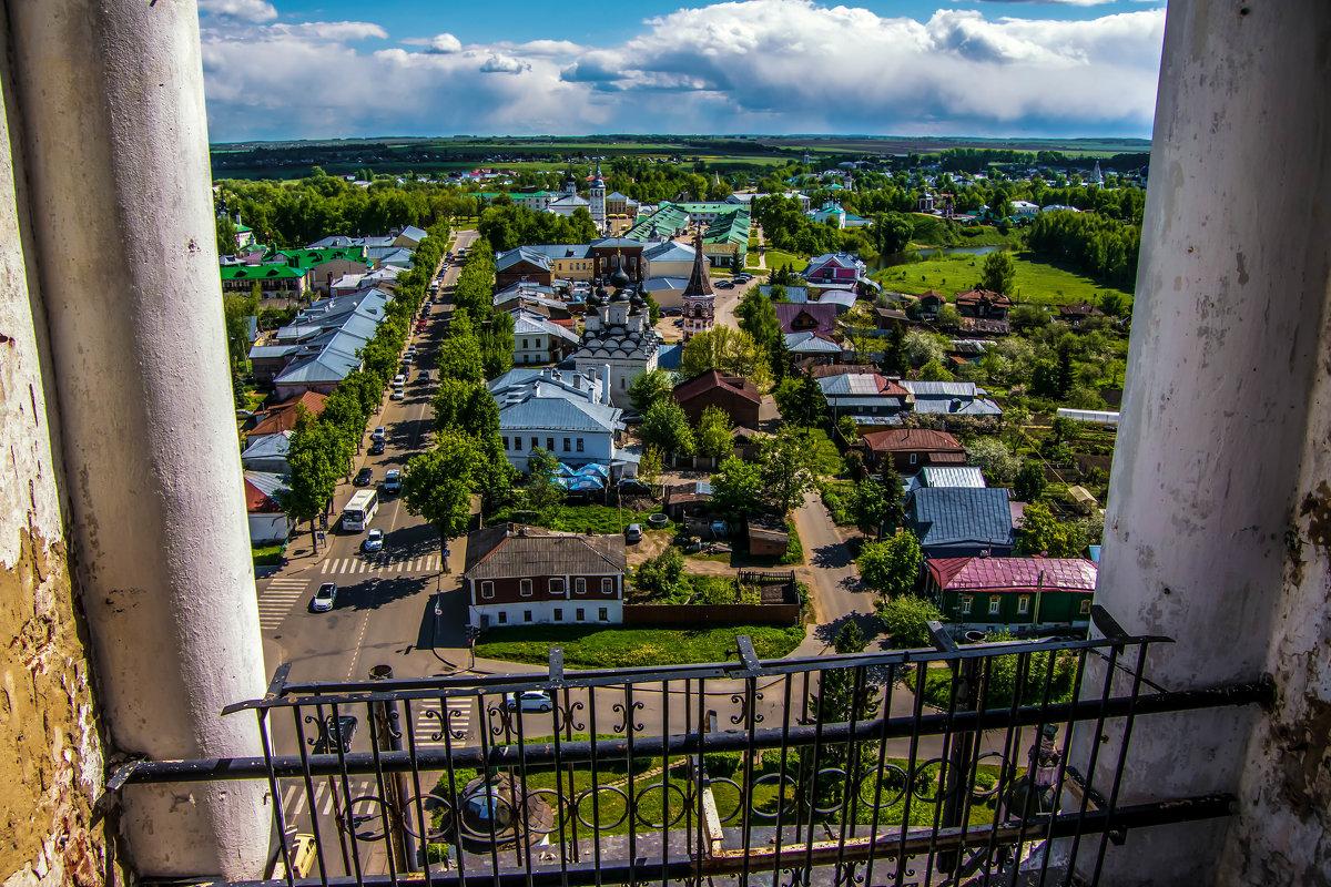 Вид на центр Суздаля с Преподобенской колокольни Ризоположенского монастыря - Dimirtyi