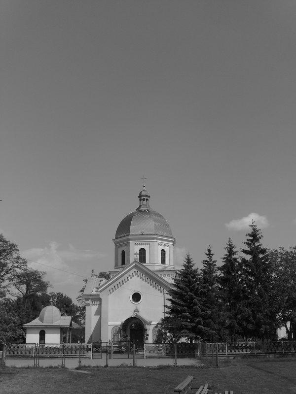 Греко - католический   храм   в    Опрышивцах - Андрей  Васильевич Коляскин