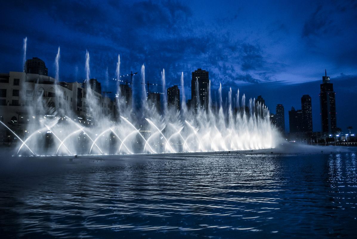 танцующие фонтаны дубай видео возникновении