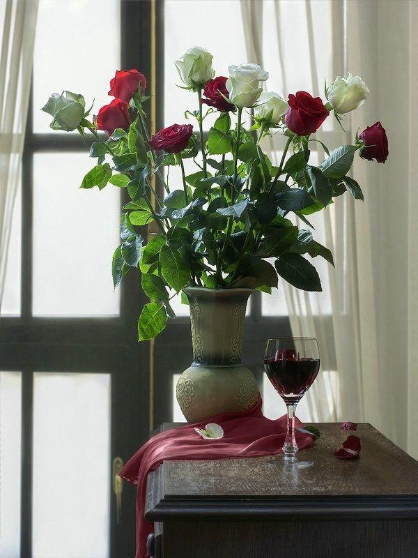 Натюрморт с букетом роз - Ирина Приходько