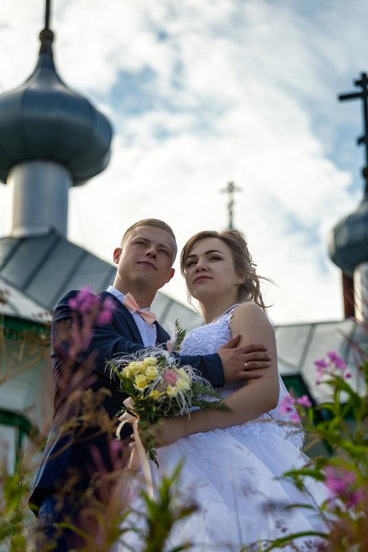 Возле церкви - Роман Дудкин