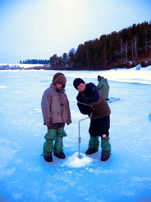 на рыбалке - леонид логинов