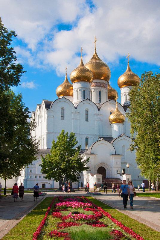 Успенский собор. Ярославль - Lika Shakhmatova