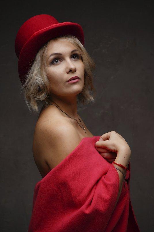 Девушка в шляпке - Алексей Соминский