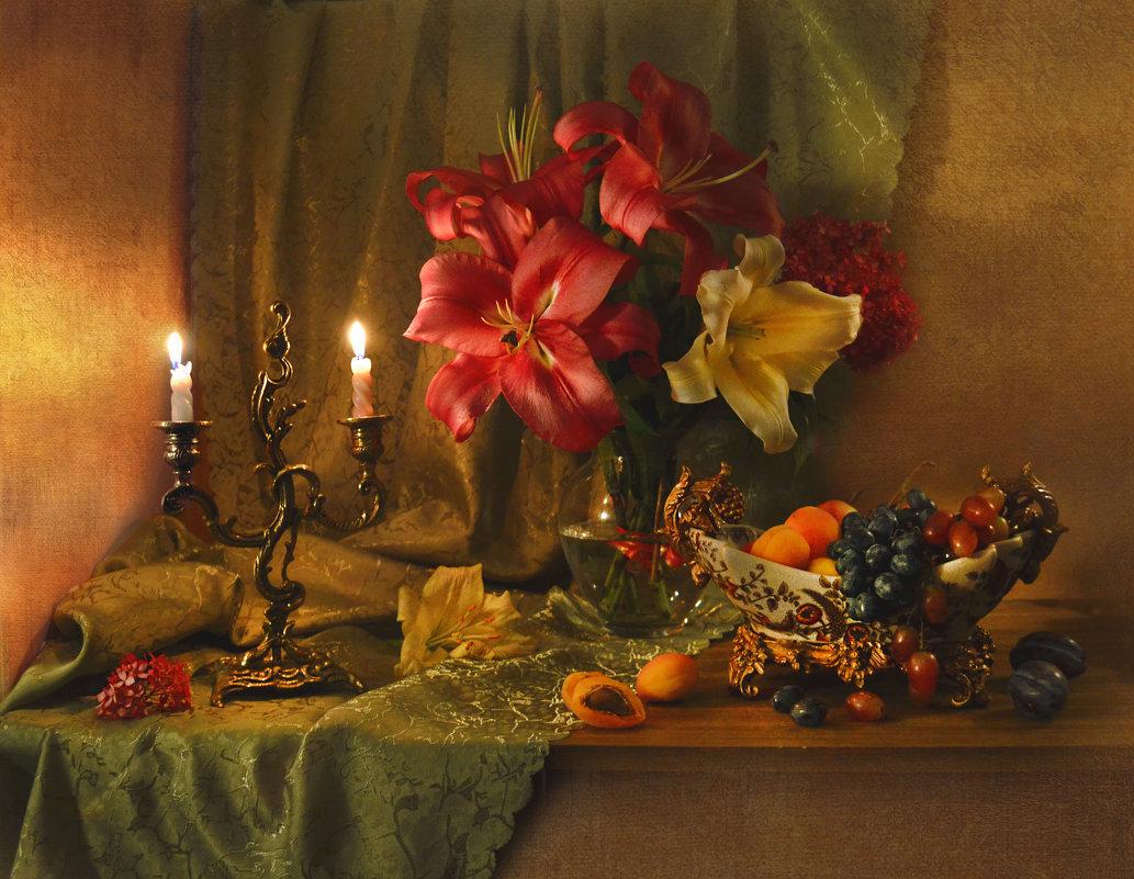 Оплавляются свечи, на старинный паркет... - Валентина Колова