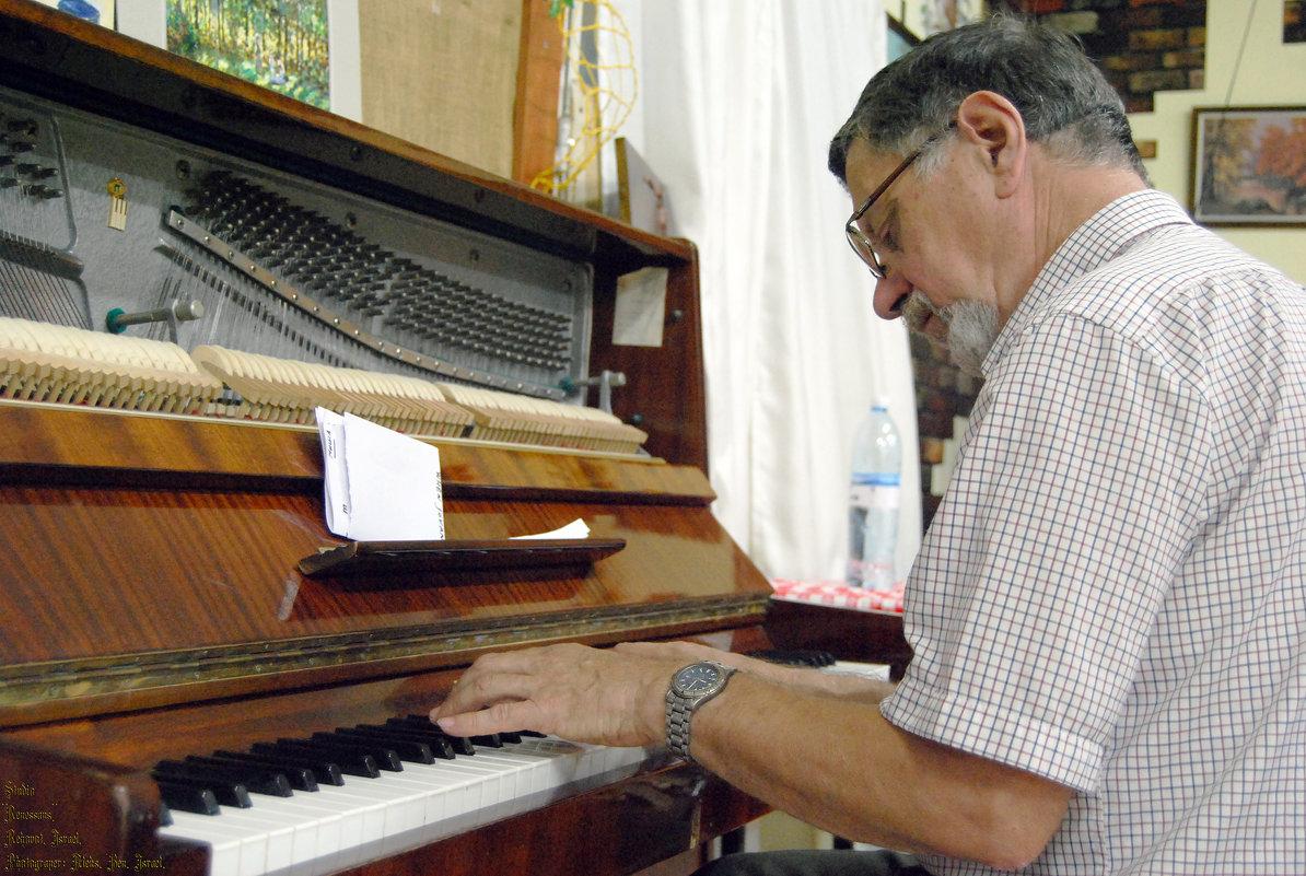 За роялем Михаил Кулль - Aleks Ben Israel