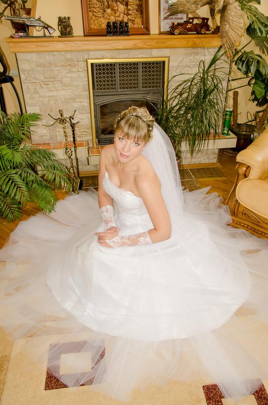 Портрет невесты в домашнем интерьере 2 - Михаил Тарасов