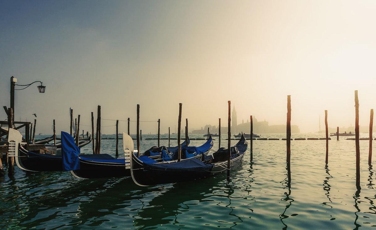 Туманное утро в Венеции... - Александр Вивчарик