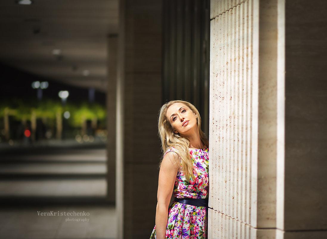 красивая девушка - Вера Кристеченко